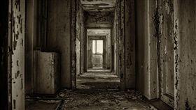 16:9 房子 老舊 詭異 廢棄 鬼月 出租 租房 圖/翻攝自pixabay https://pixabay.com/photo-2662965/