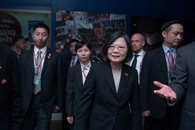 蔡英文總統參訪雷根圖書館。(圖/總統府提供)