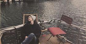 盧凱彤的遺照由遺孀余靜萍親自親自拍攝。(圖/翻攝mentalconcept IG)