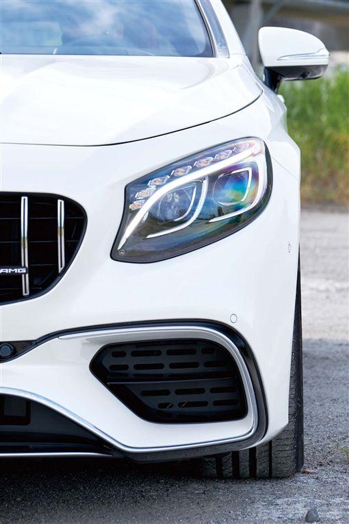 由內而外的華麗Mercedes-AMG S63 4Matic+ Coupe(圖/車訊網)