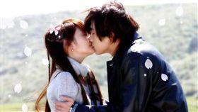 男星賀軍翔2005年跟楊丞琳合作演出《惡魔在身邊》/翻攝微博