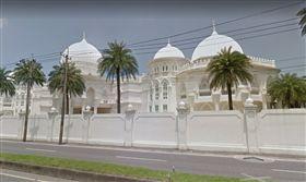 宜蘭縣頭城鎮外澳的榮梓博物館,有「阿拉伯宮」之稱,是當地著名的景點,「阿拉伯宮」為林昭文所擁有的私人招待所  www.google.com.tw/maps/