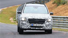 Mercedes-Benz GLB偽裝車。(圖/翻攝motorbox網站)