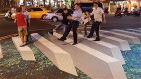 台南推街道美術館 李孟諺試玩狂拍照