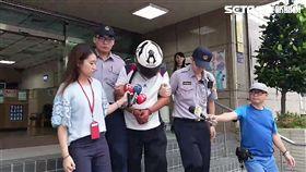 洪男在台北市東區隨機攔車,向轎車車主商借油錢,每次100元到200元不等,警方獲報後通報各派出所注意,終於順利將他逮獲,訊後依詐欺未遂罪送辦(翻攝畫面)