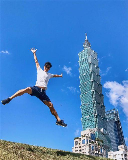 香港男星余德丞曾到台灣觀光。(圖/翻攝自余德丞臉書)