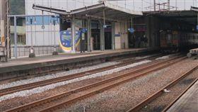 基隆,火車站,跳軌,精神科,七堵(圖/翻攝google)