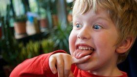 -兒童-孩子-小孩-舌頭-▲圖/攝影者Richard Leeming, flickr CC License(https://www.flickr.com/photos/dickdotcom/41306539572/)
