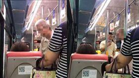 阿伯公車無理咆嘯低血糖女子飲食,遭司機霸氣請下車。(圖/翻攝黑色豪門企業)