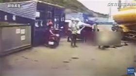 台積電15廠7期工地發生灑水車壓傷工人事件,包商遭爆雇用未滿16童工開車,害工人命危截肢。