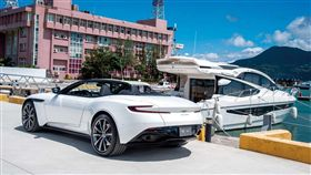 Aston Martin DB11 V8 Volante(圖/車訊網)