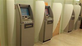 ATM網銀跨行交易停擺2小時 財金公司:已排除駭客攻擊(圖/翻攝自Pixabay)