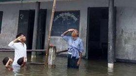 國旗 淹水 印度 翻攝網路