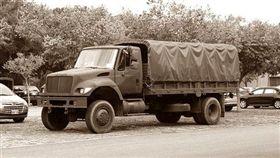 軍卡,軍用卡車,軍人(翻攝維基百科)