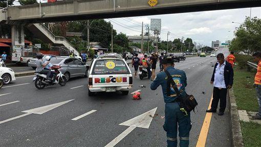 泰國,車禍,騎士,時速,曼谷,重機(圖/翻攝自Sakchai Chouywan)