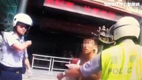 環南市場的孫姓攤商持刀追砍楊姓表哥遭逮,全案訊後依社維法裁罰(翻攝畫面)