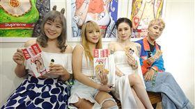 梁云菲舉辦「任性每一天」國際潮流藝術展,林進、小A辣、開水小姐到場站台