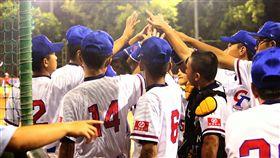 U12亞洲少棒 中華隊預賽全勝晉級第10屆BFA U12亞洲少棒錦標賽,中華隊15日預賽最後一戰與印尼隊交手,全場敲出14支安打,以17比1、4局拿勝,中華隊預賽3戰全勝,晉級4強複賽。(中華民國棒球協會提供)中央社記者謝靜雯傳真 107年8月15日