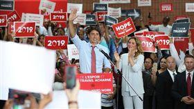 加拿大總理杜魯道(Justine Trudeau) https://www.facebook.com/JustinPJTrudeau/photos/a.101277015648/10156994348970649/?type=3&theater