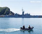 民國107年國防知性之旅,首次於蘇澳中正基地舉行,有海軍儀隊、陸戰隊綜合格鬥操演、莒拳道及破操演等,同時開放我艦隊四型主戰艦艇讓民眾登艦參觀。(記者邱榮吉/蘇澳拍攝)