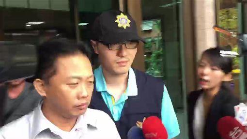 台北,林冠勳,酒駕,頂包,公共危險,肇事逃逸,使公務人員登載不實。翻攝畫面