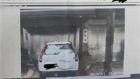 民眾在自家門口騎車,卻遭到檢舉吃上罰單。(圖/翻攝自台南諸事會社臉書)