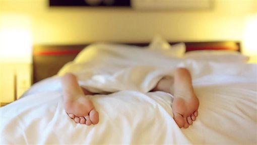 床、陳屍、睡覺示意圖/pixabay