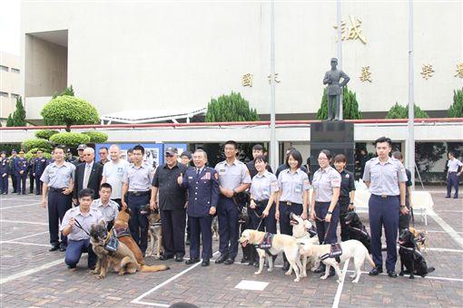 中央警察大學成立警犬研究社,積極培訓訓犬種子教官。(圖/內政部提供)