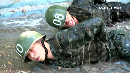 當兵男孩變男人!團隊合作練服從拋自尊