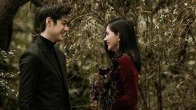 陳艾琳與男友顏庭笙婚紗照似乎兩人好事近。(圖/翻攝自IG)