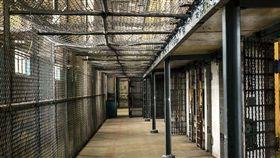 監獄,坐牢(圖/翻攝自Pixabay)