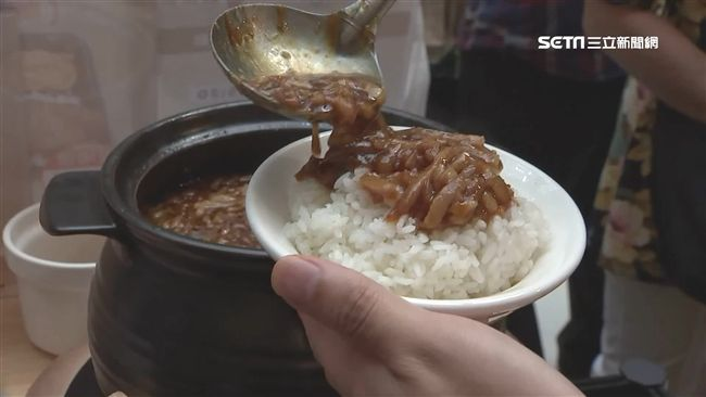 吃「台南滷肉飯」…他竟1秒暴怒!當地人神反擊:基本好嗎