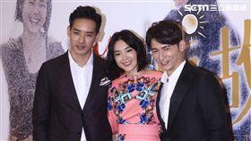 溫昇豪(右)與曾珮瑜(中)有不少激烈吻戲。(圖/記者蔡世偉攝影)
