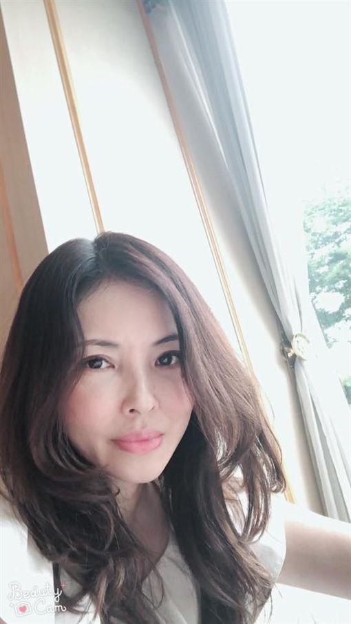 何如芸,粉絲專頁,人氣,日記,臉書(圖/翻攝自何如芸臉書)