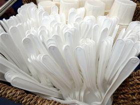 免洗湯匙,塑膠湯匙,餐具, 示意圖/Pixabay