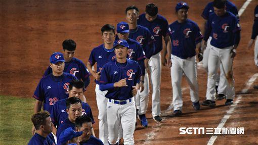 亞運中華棒球隊擊敗印尼。(圖/記者王怡翔攝)