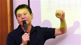 林為洲:不會出席考紀會議表態將參選新竹縣長到底的國民黨籍立委林為洲1日在立法院召開記者會表示,他已經接到考紀會通知,但不會出席會議,將用書面方式做出說明。中央社記者施宗暉攝 107年8月1日