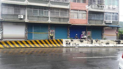 燕巢7戶民宅地基裸露  警緊急封鎖疏散17名住戶翻攝畫面