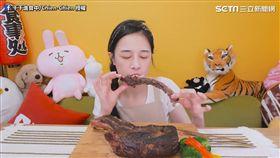 大胃網紅千千完食戰斧牛排。(圖/翻攝自千千進食中/Chien-Chien臉書)