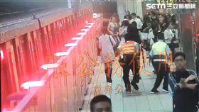 捷運,婦人,壓制,劃傷,刑大,亮刀,龍山寺,車廂,監視器,台北