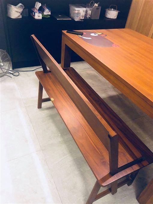 餐桌椅,柚木,去光水,老婆,小孩,抱怨,/翻攝自爆怨公社