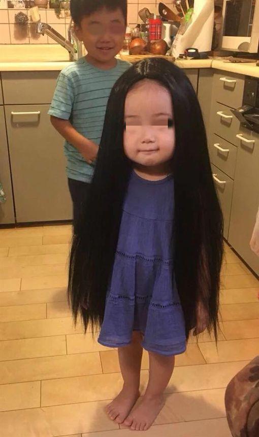 假髮,女孩,爆笑公社 圖/翻攝自臉書爆笑公社