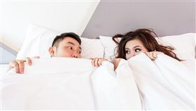 睡覺,床,夫妻,/翻攝自Pixabay