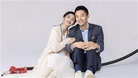 大S與老公汪小菲參加實境秀《幸福三重奏》。(翻攝微博)