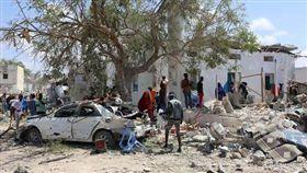 索國首都市府遭炸彈攻擊 至少6死 索馬利亞,恐攻,汽車炸彈 翻攝自推特
