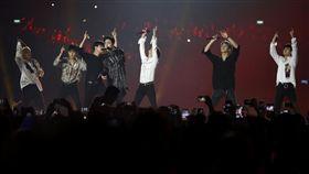 Super Junior亞運表演。(圖/美聯社/達志影像)