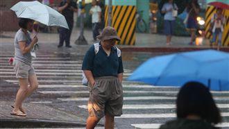 熱帶低壓今明通過 北部東部恆春有雨
