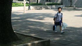 接送,回家,走路,美國,安全,記性,放學,開學, 圖/攝影者Bowy Gavid Bowie Chan, flickr CC License https://goo.gl/ssBjPy