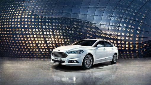 歐洲進口智慧安全旗艦房車Ford Mondeo。(圖/Ford提供)
