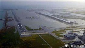 燕子颱風過後,5日的關西機場 圖/翻攝自香港新浪旅遊